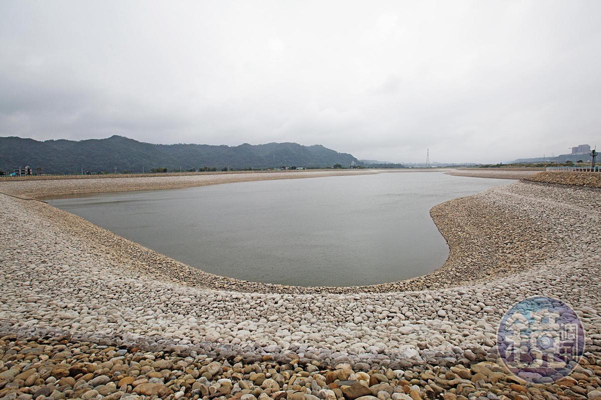 颱風期間石門水庫原水濁度升高時,中庄調整池將提供緊急備援水源。