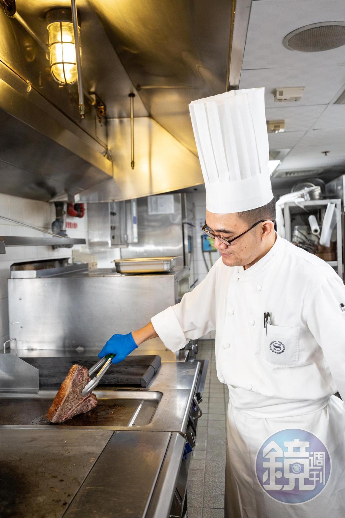 主廚張守義是台灣10年前開始引進熟成牛肉技術的廚師群,對熟成技術充份掌握。