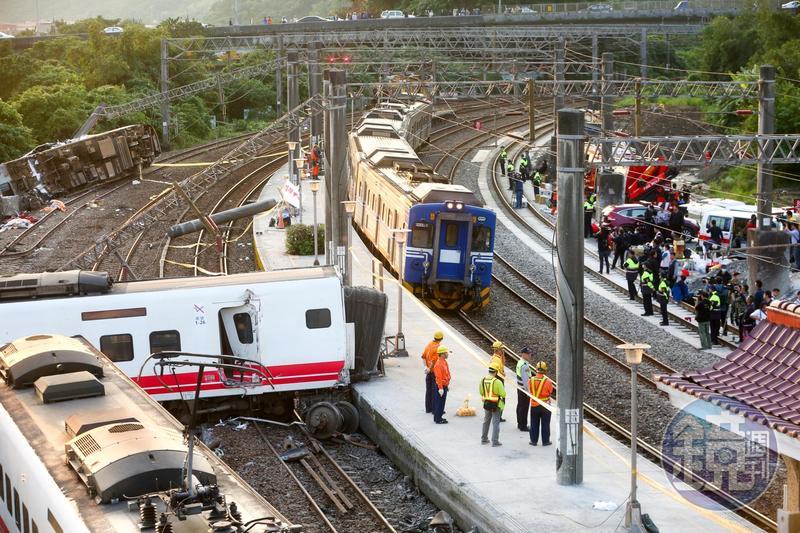 普悠瑪翻覆事故造成18死、215傷。