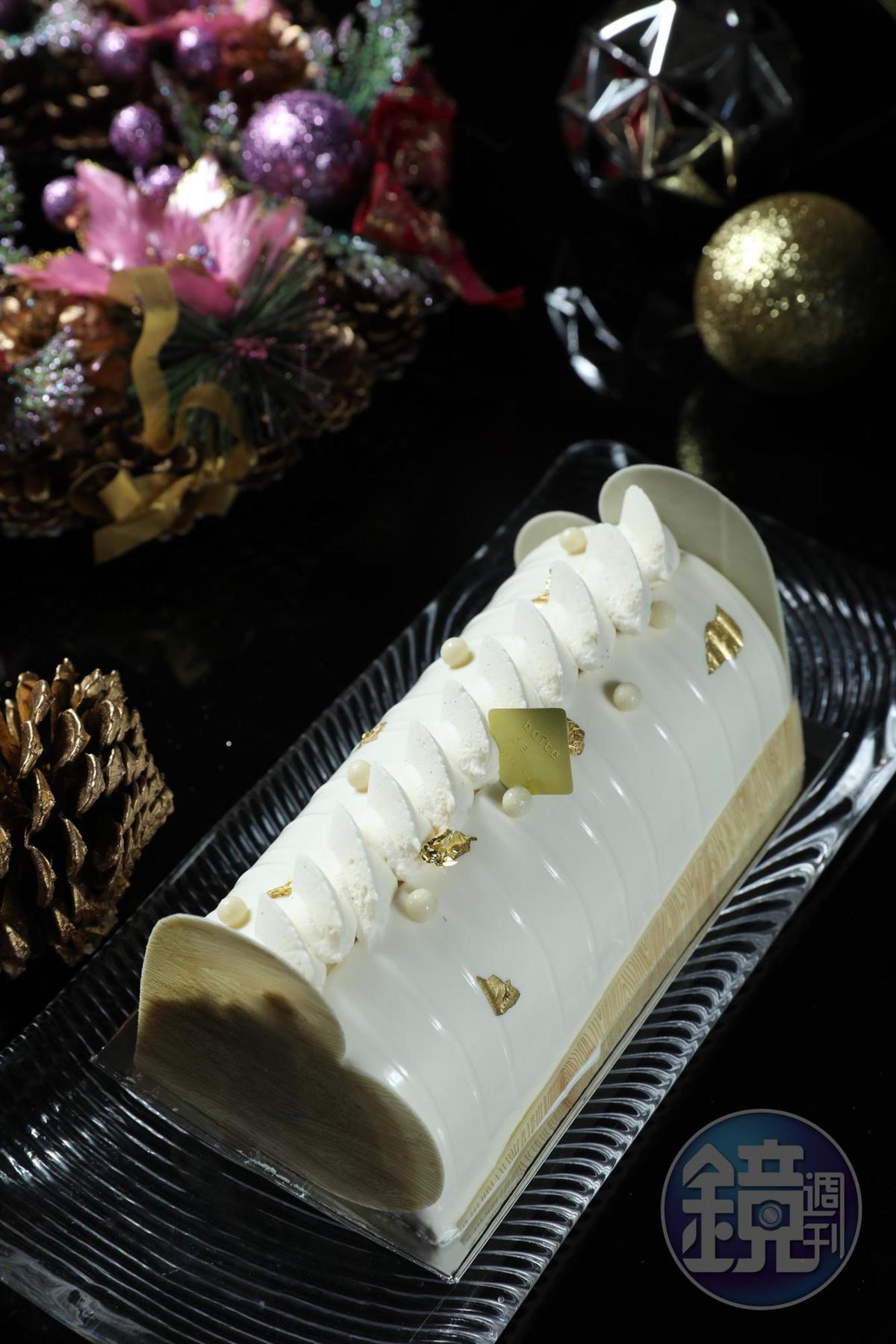 「茉莉晨露樹幹蛋糕」內餡的青蘋果丁酸甜爽脆,為口感增添趣味。(1,080元/條)