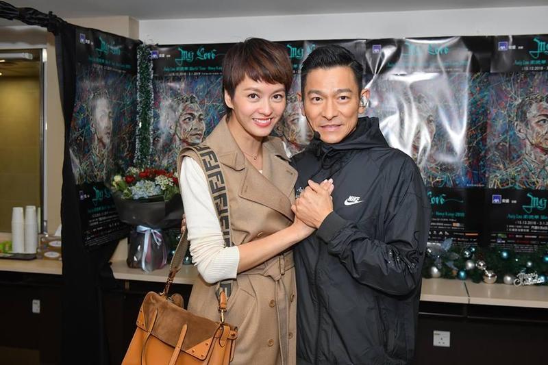 梁詠琪昨晚到場欣賞偶像兼好拍擋劉德華演唱會,她1995年入行首部電影《烈火戰車》就是跟劉德華合作,已是23年前的事了。(劉德華粉絲同學會臉書)