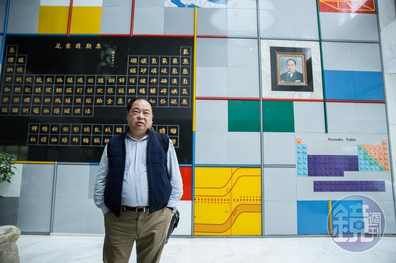 林健祥發揮高分子塑膠工程博士所學專長,在職場拚出一片天。