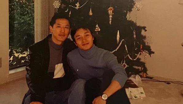 港星張國榮生前男友唐鶴德貼出聖誕慶祝照,思念愛人。(翻攝唐鶴德Instagram)