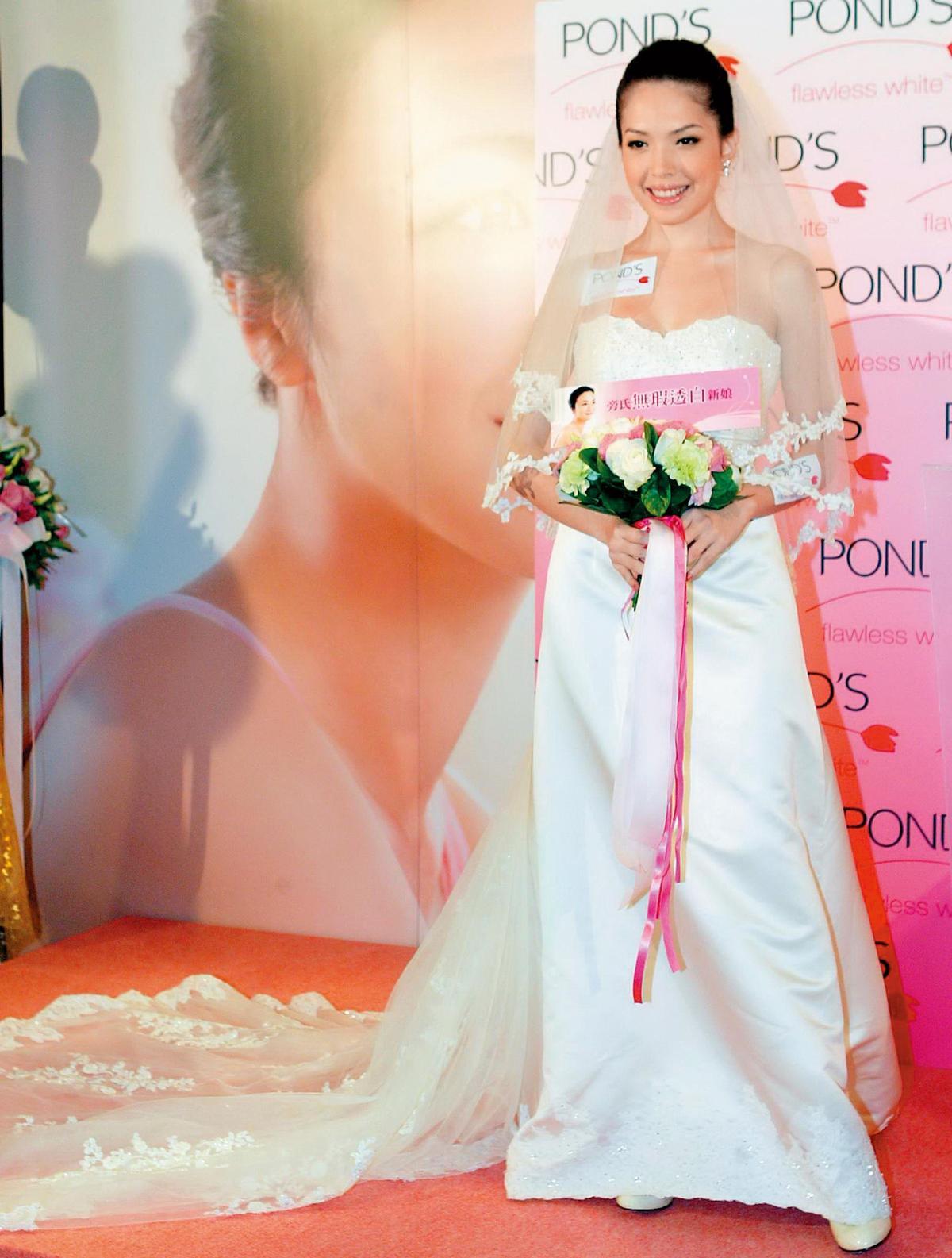 早年許瑋甯就已預習穿過新娘禮服,當時她的話題都圍繞在跟小天的戀情上頭,2人一度論及婚嫁,但後來男方不斷劈腿而分手。(東方IC)
