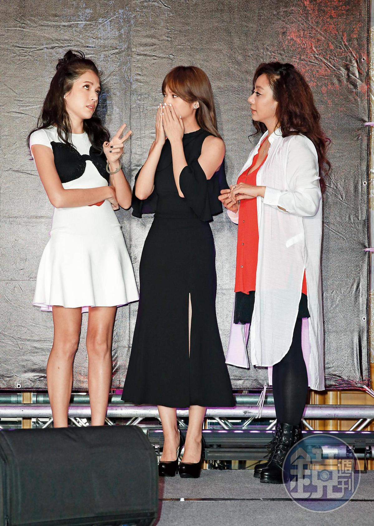 許瑋甯(左)以《紅衣小女孩》系列成為驚悚片界的翹楚,並且成為她的代表作。中為楊丞琳、右為高慧君。