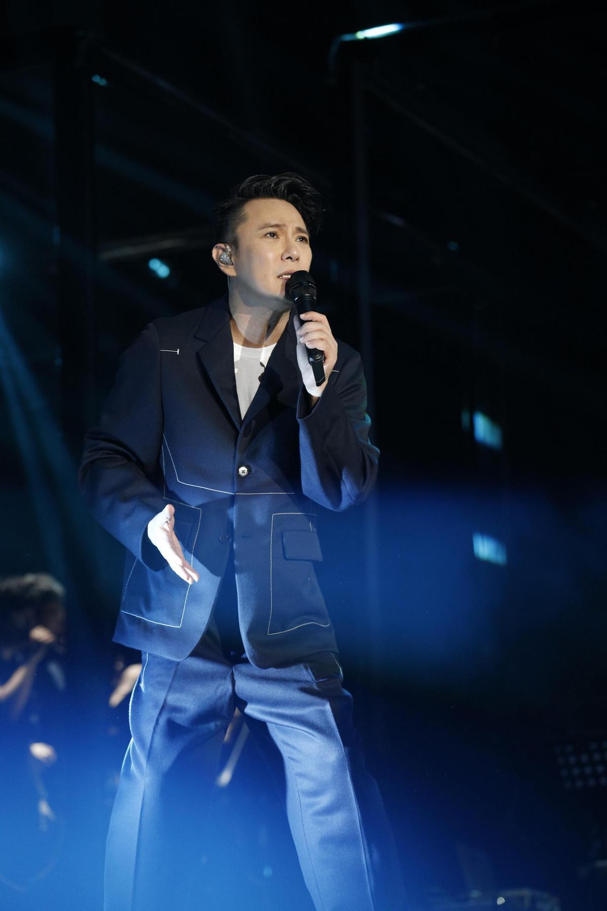 張信哲的《未來式》演唱會如火如荼,台北小巨蛋將於4月6日登場。 (潮水音樂提供)