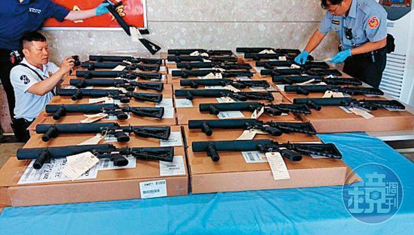 今年5月,25把槍榴彈發射器被華儲員工誤放行入境,關務署竟然未開罰。
