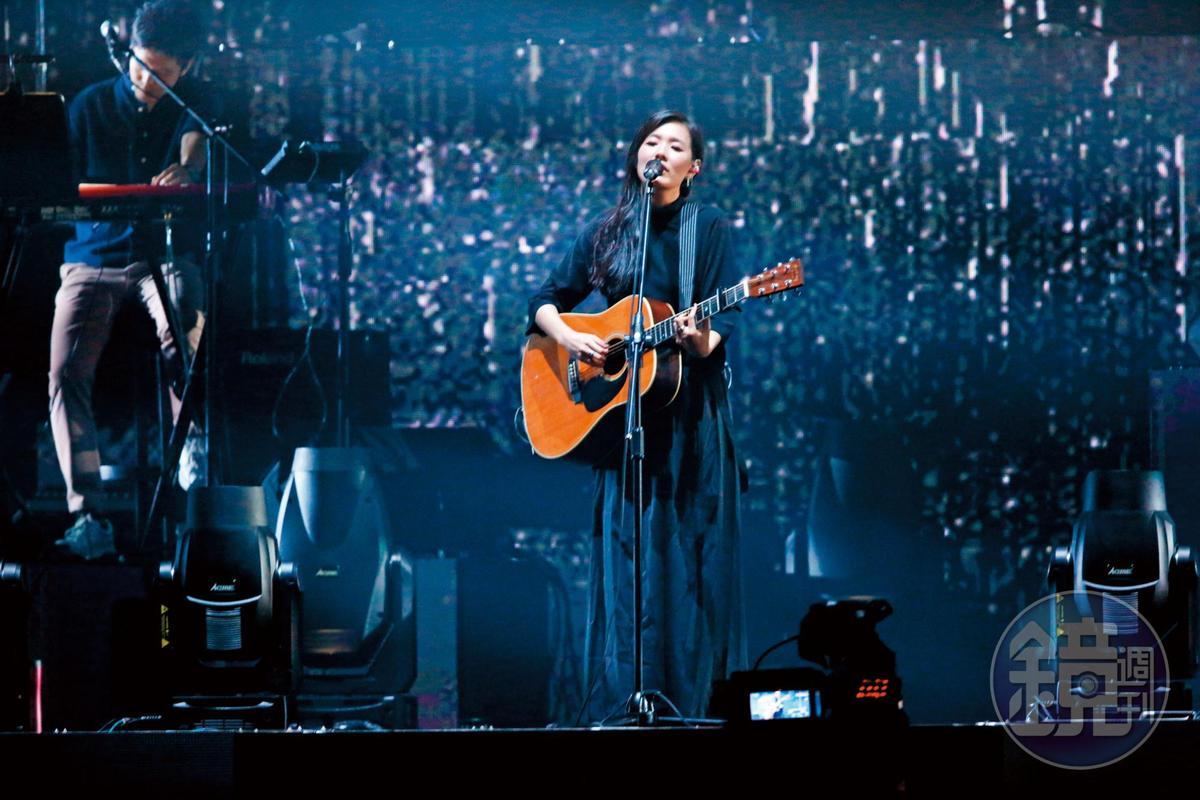 知名創作型歌手安溥(舊藝名張懸)叱吒歌壇,她的父親焦仁和不只在官場打滾多年,還是出了名的京劇愛好者。