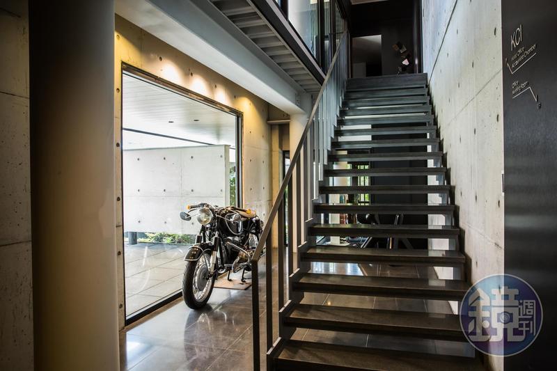 羅耕甫不喜歡做建商案子,多接私宅或企業總部設計,他為光全集團總經理吳宮安設計住家與總部。