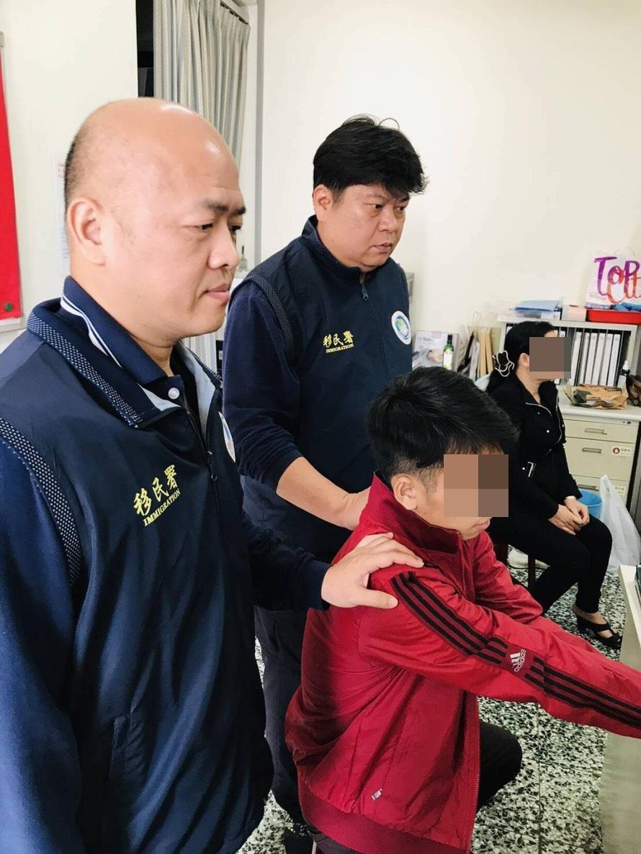 移民署在嘉義縣、彰化縣及新竹縣分別逮獲3名脫逃越南旅客。(移民署提供)