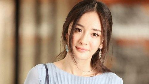 楊冪宣布離婚,連小糯米也不開心。(翻攝新浪娛樂)