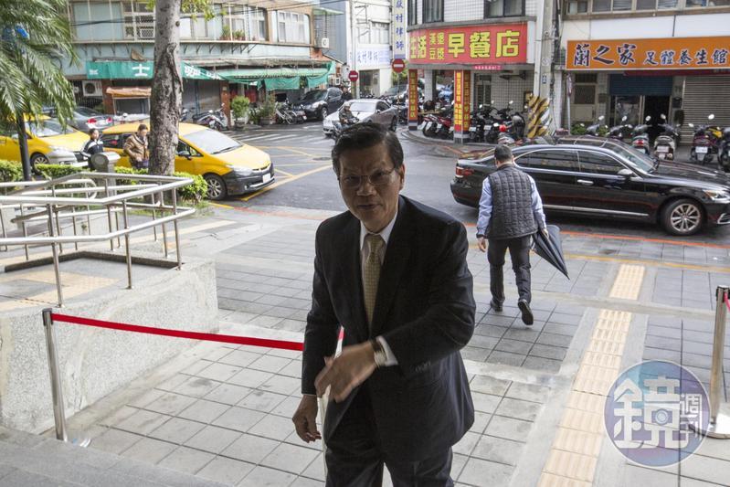 翁啟惠涉入內線交易,他強調仍會持續帶領學生從事研究工作,今獲判無罪。