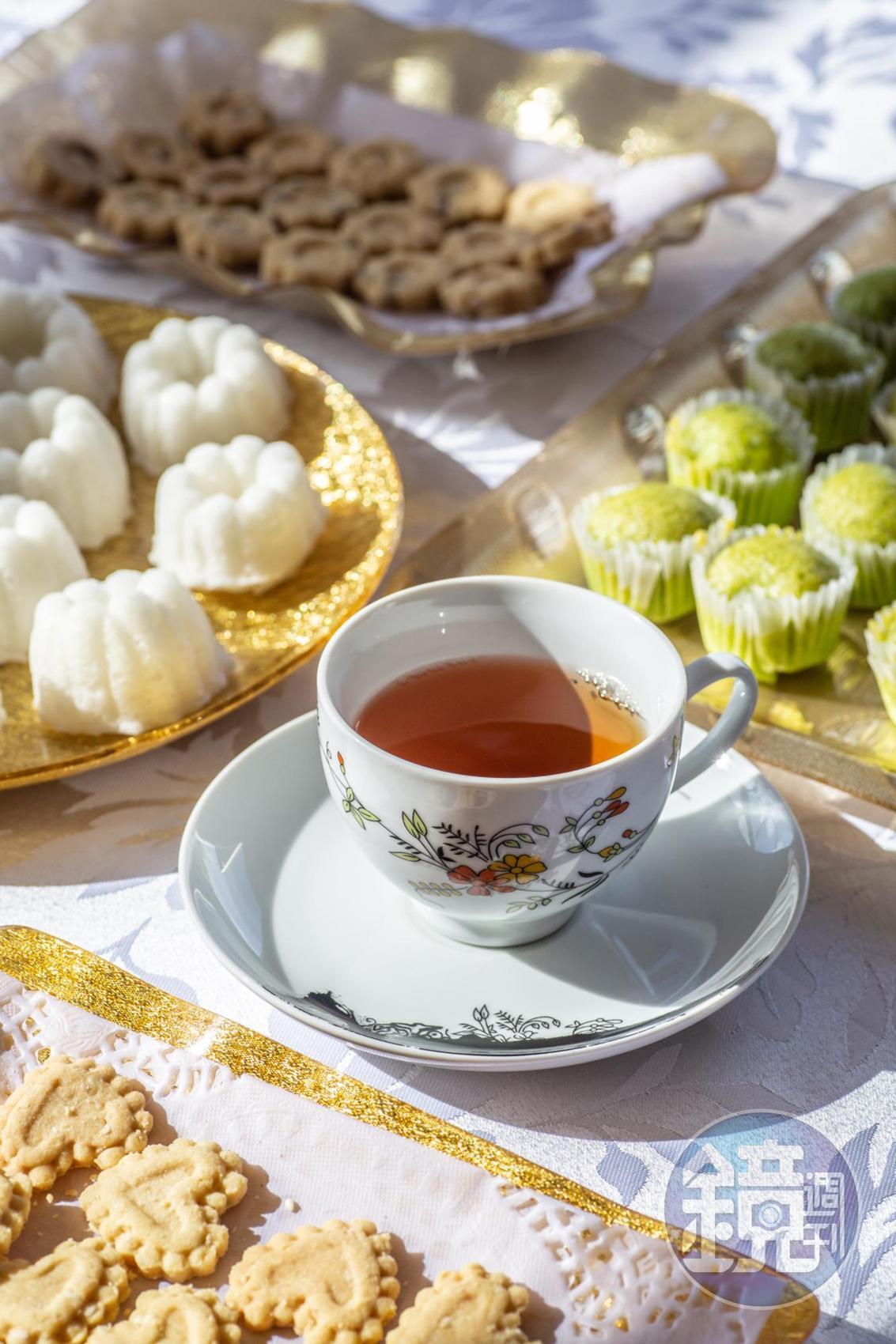 來到水村通常會被帶到當地人開的茶室小憩,品嘗茶點。