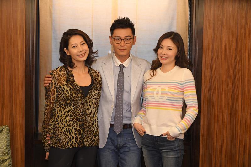 丁寧(左)與何如芸(右)飾演陳冠霖的親媽與小媽。(三立提供)