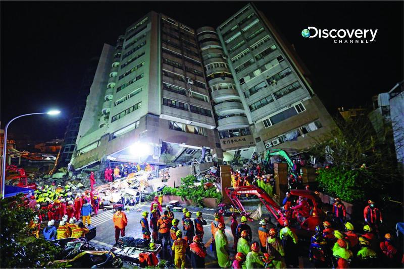 Discovery頻道完整紀錄整個花蓮震災救援過程,並訪問每個搜救英雄及專家學者。(Discovery頻道提供)