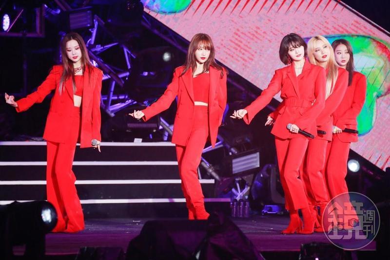 EXID勁歌熱舞讓歌迷也想跟著一起跳舞。
