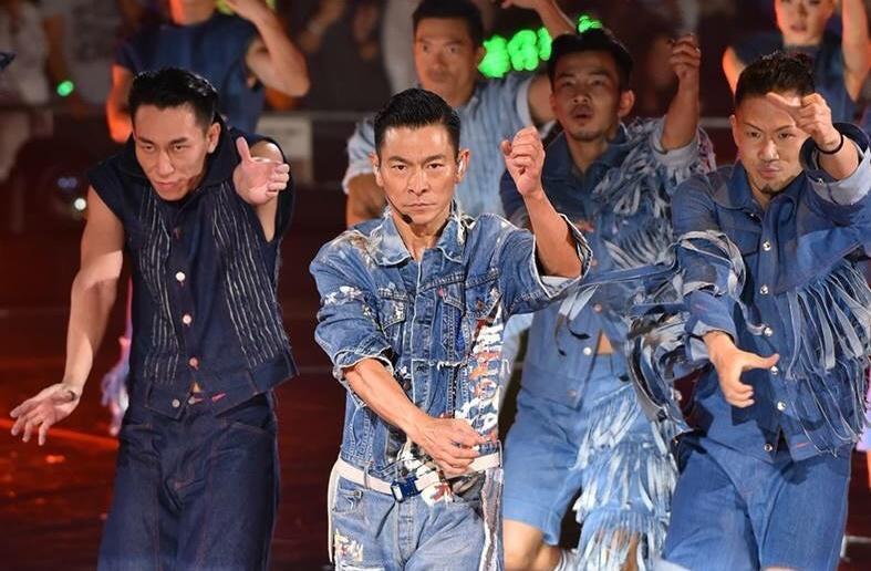 劉德華原定在香港舉行20場演唱會,唱至13場後因患上流感而取消餘下7場。(My Love Andy Lau World Tour臉書)