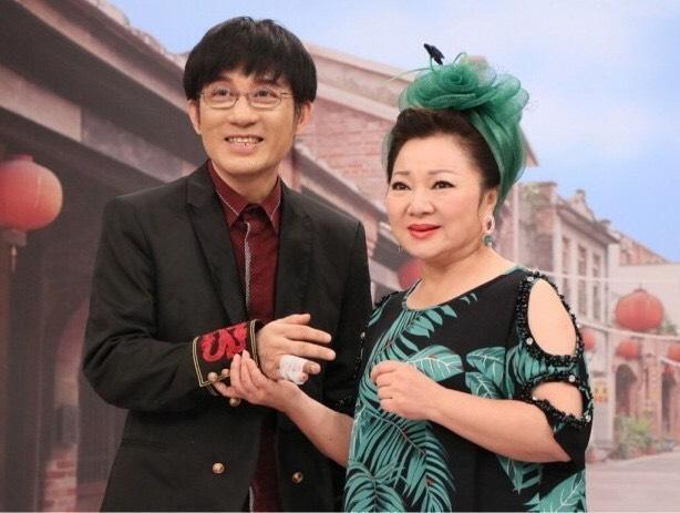 去年9月江明學(左)攜帶毒品被逮,白冰冰表示痛心,令他非常不滿。(中視提供)
