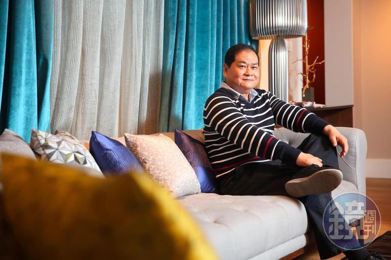 從白宮沙發做到比爾蓋茲的辦公椅,謝智通一路從皮衣工廠轉型到家具代工,攻下金字塔頂端客群,讓世界看見台灣人的實力。