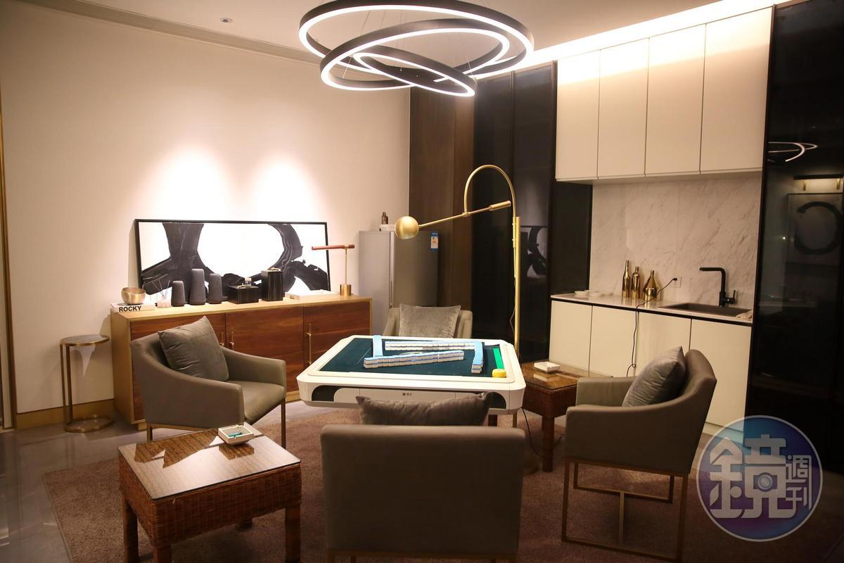 除了唱歌,謝智通還有一大興趣是打麻將,家中特別留了麻將房。