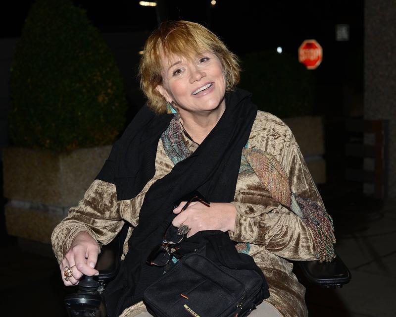 在哈利與梅根的王室婚禮期間,梅根同父異母的姊姊莎曼珊也坐著輪椅來到了英國。(東方IC)