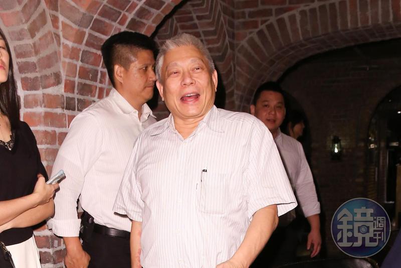 以食品業起家的蔡衍明,擠下郭台銘成為台灣首富。