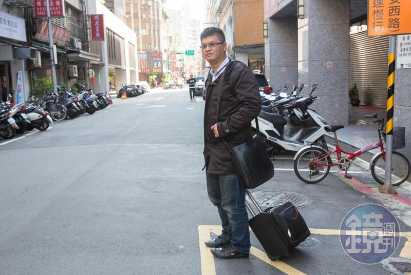 不少人私訊或打電話給盧致宏說要應徵清理師工作,但他說通常見習一次就會被嚇跑。