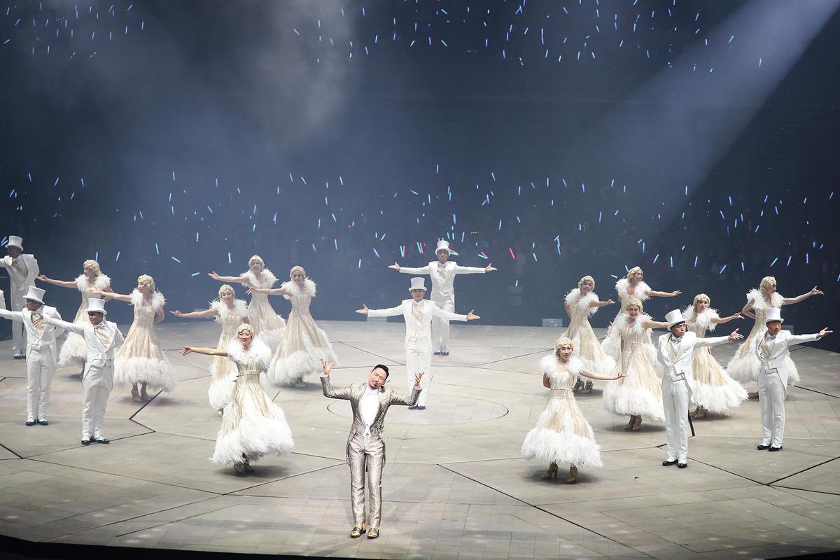 7歲的張學友連唱帶跳近1小時,展現驚人體力。 (環球提供)