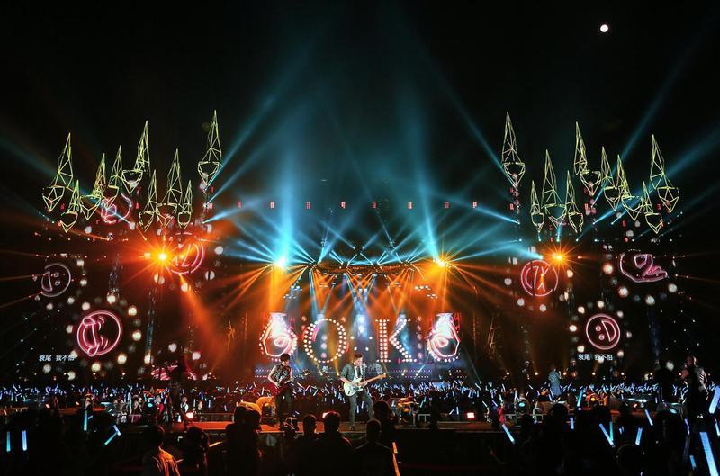 五月天的台中《人生無限公司》5日進行倒數第2場演出,放送許多經典作品寵歌迷。(相信音樂提供)