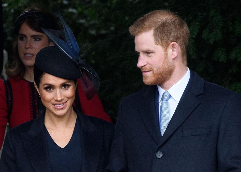 2018年12月25日早上,哈利王子與梅根王妃一起出席耶誕節的教會禮拜儀式。(東方IC)