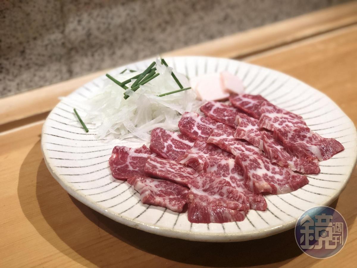 千葉憲二特別推薦別處難尋的「馬肉刺身」,油花豐美鮮甜。