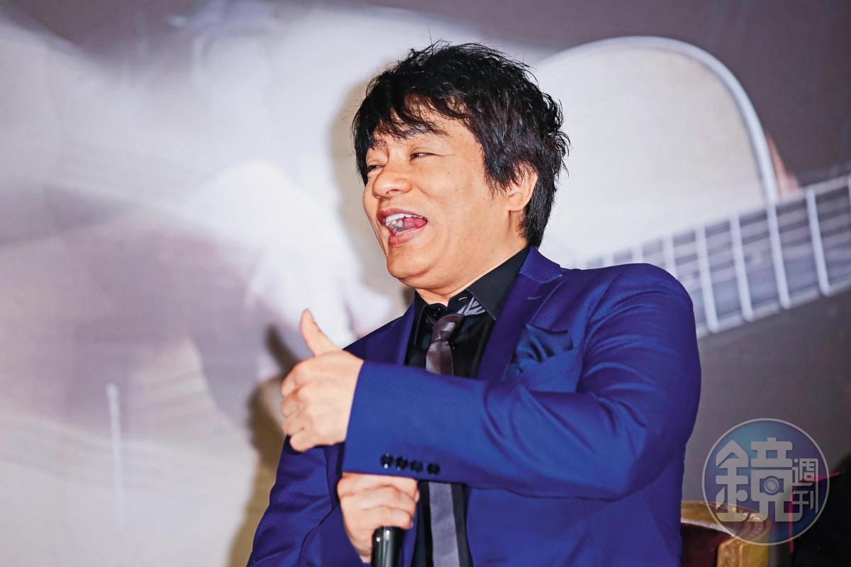 雖然飛鳥涼在日本吸毒被逮,演藝事業跌至谷底,但來台依舊是有一片天。過往他跟恰克的首首名曲在90年代極紅。