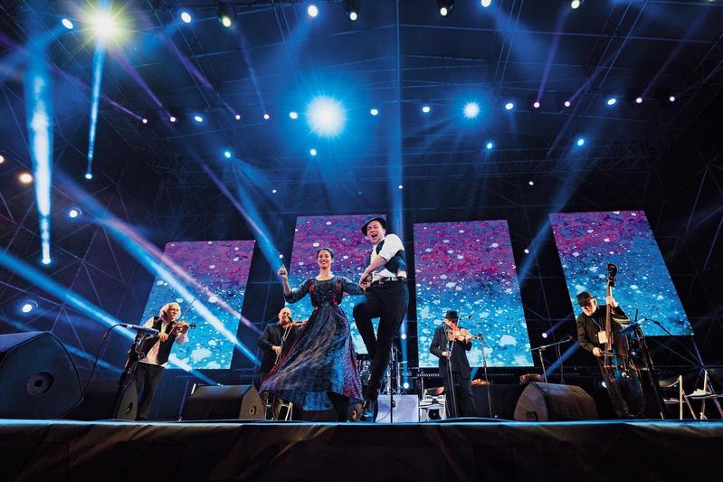 匈牙利音樂家合奏團 Muzsikás,以吉普賽民謠別具特色的演出,讓台灣觀眾親身體驗異國情調。(風潮提供)