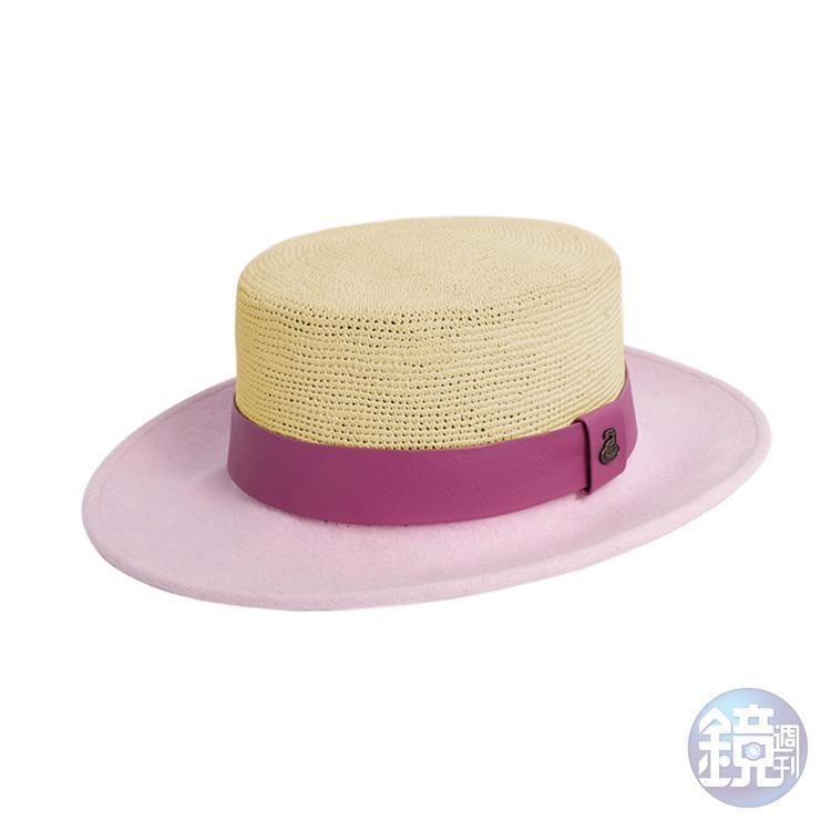 Ecua-Andino Hats微風南山專屬限定款粉色平頂紳士草呢帽。NT$3,590