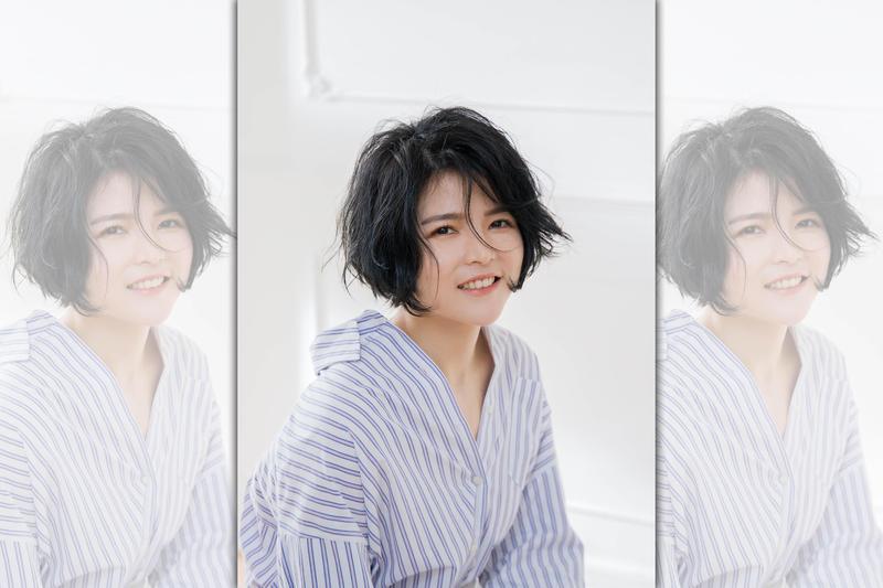大馬新女生邱詩凌受到任賢齊提攜,除了當演唱會合音,也播她的新歌MV暖唱。(寰亞提供)