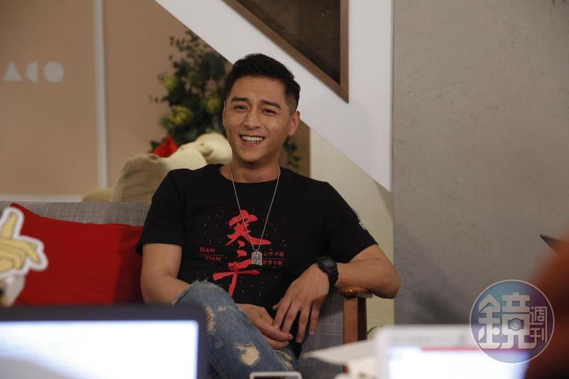 鄭人碩爆發婚變後首次面對媒體,面對八卦緋聞他沒有躲避,侃侃而談。