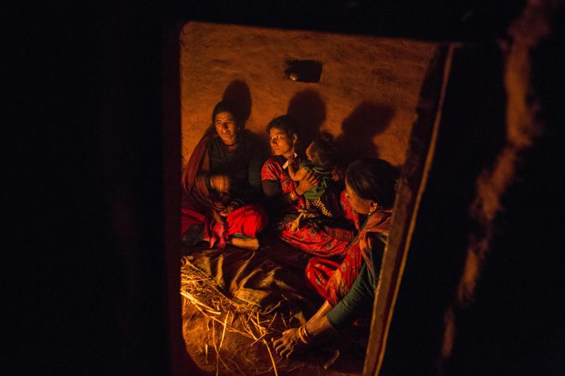 尼泊爾再次發生女性因月事來臨,住在簡陋月經小屋中,意外身亡。(東方IC)