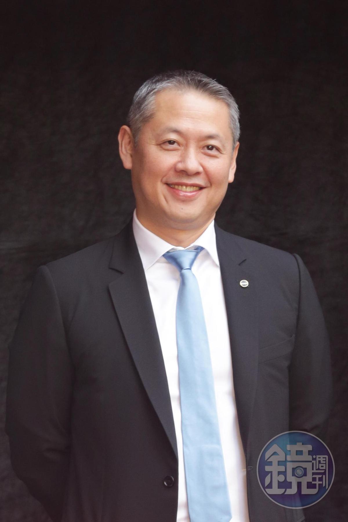廖鎮漢已經展店第10家微風廣場,再度為自己征服不可能的任務。