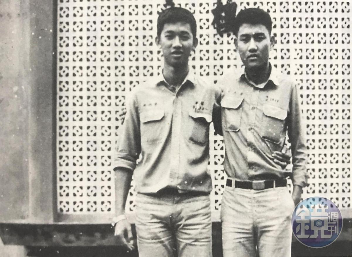 劉民和(右)高中在台灣就讀,仍可以找到毒品吸食,他說:「週末就到西門町混幫派。」(劉民和提供)