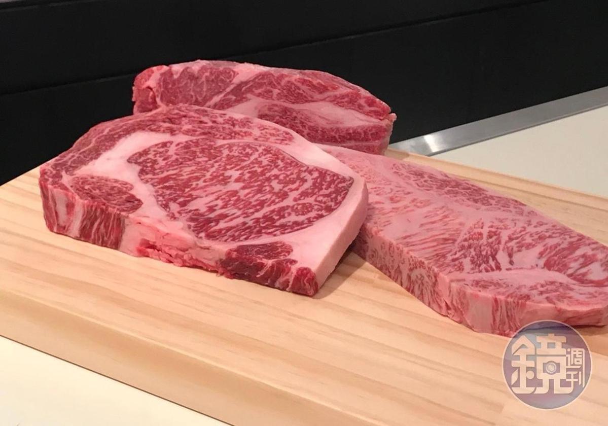 日本和牛「近江牛」「宮崎牛」「山形牛」,可以現場分切。