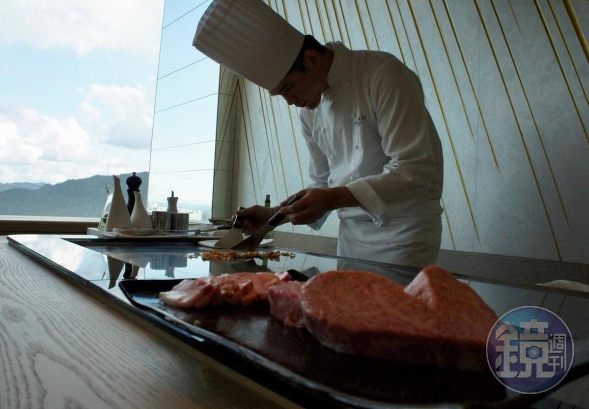 「The Ukai Taipei」提供米其林級的鐵板燒料理。