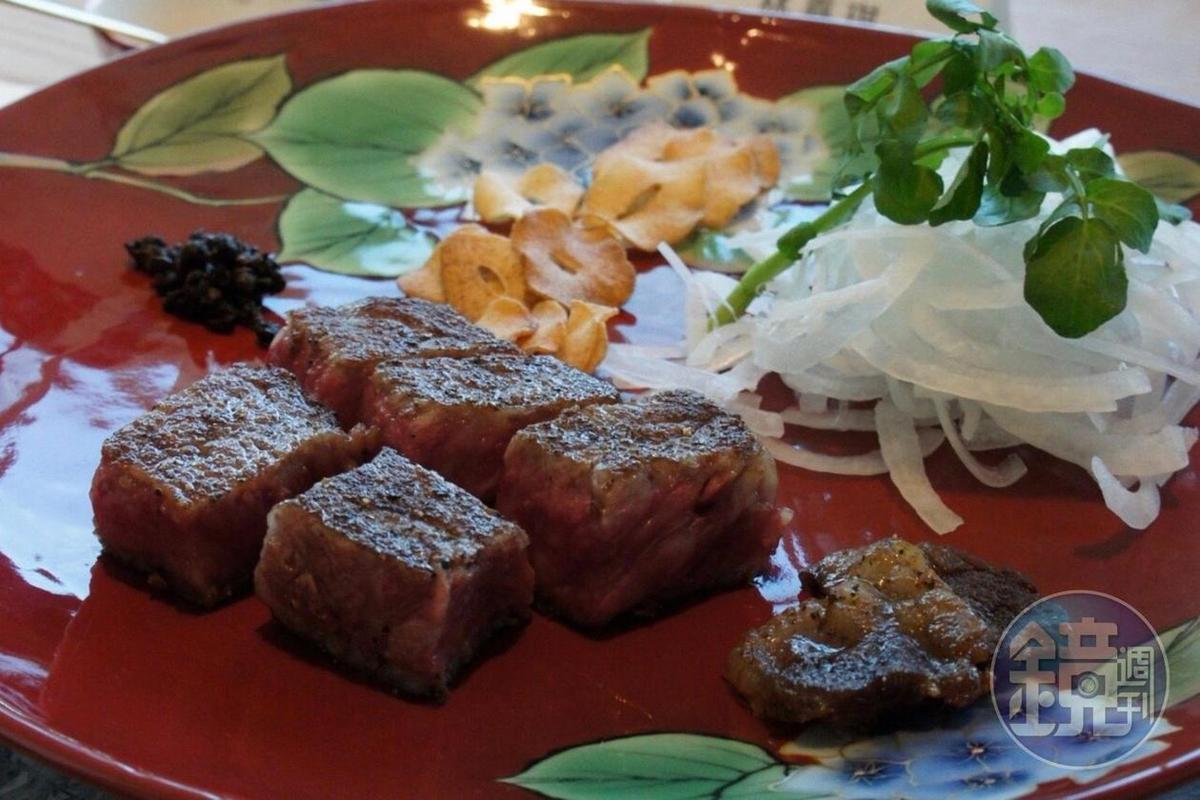 餐廳使用的和牛來自日本田村牧場,油脂相當豐富。