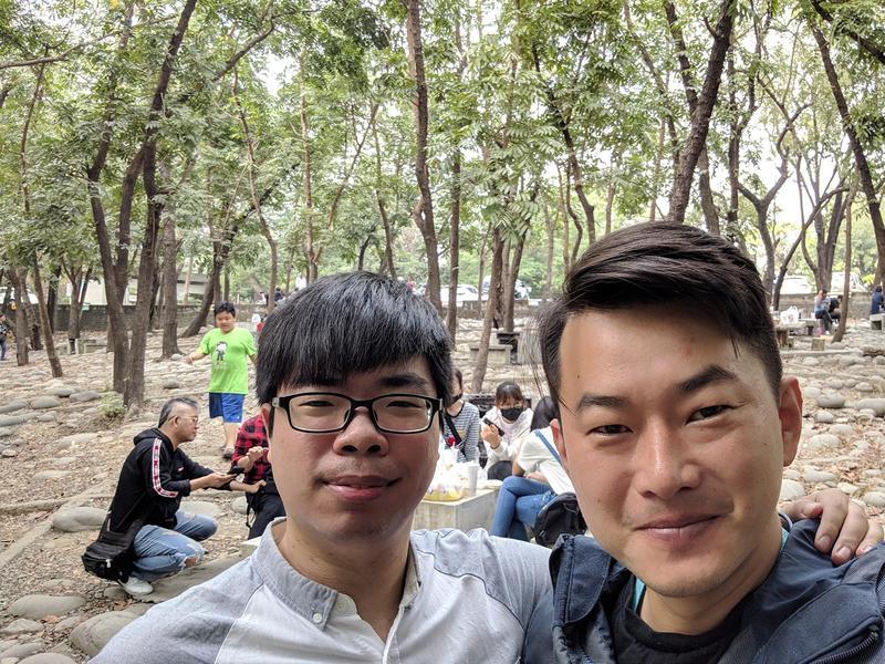 陳柏惟在臉書PO出和「陳其邁」的合照。(翻攝自三民惟新 陳柏惟粉絲專頁)