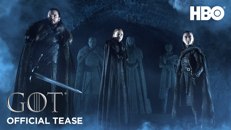 寒氣入侵,凜冬將至,雪諾、珊莎與艾莉亞也準備對抗異鬼勢力。(HBO提供)