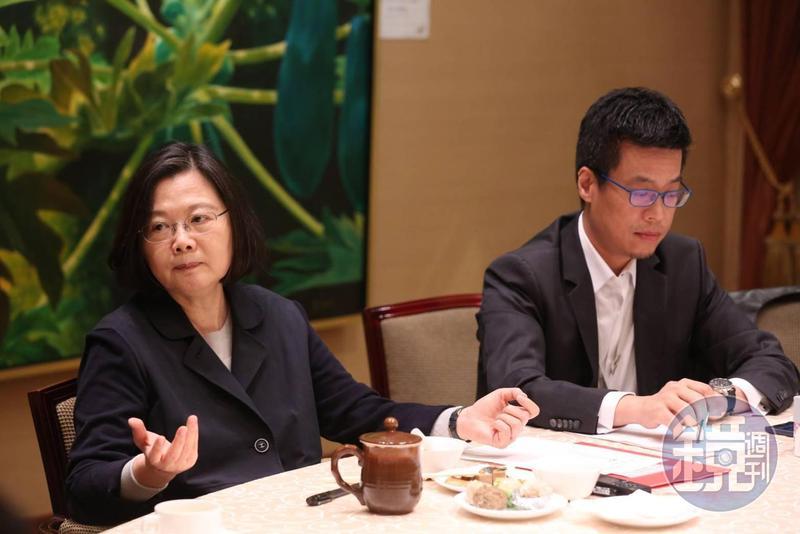 總統蔡英文重申,我們採取的立場就是台灣共識,她提醒藍營日後提九二共識要更小心,不要變成一國兩制。