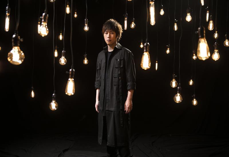 阿信為電影《飛馳人生》譜曲及演唱主題曲〈一半人生〉,與作家韓寒首次合作。(相信音樂提供)