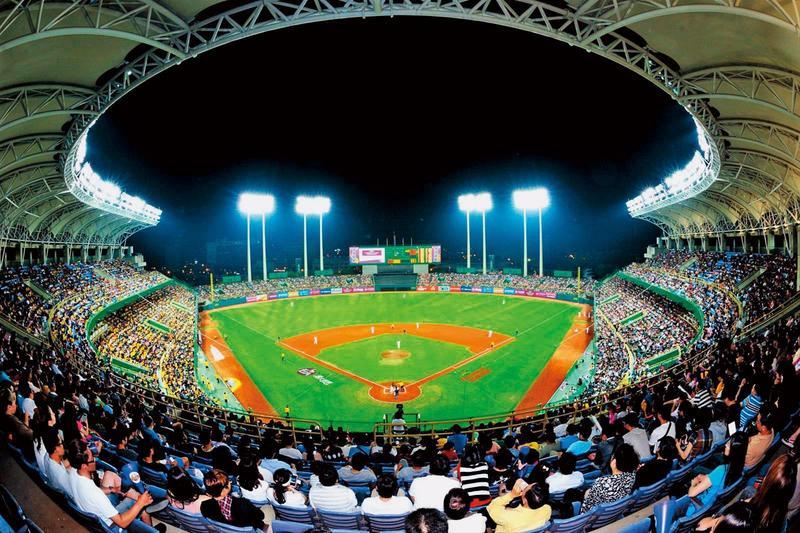 澄清湖棒球場在義大犀牛轉賣後,無職棒球隊認養,現成為味全龍重返中職可能的主場。(翻攝高雄市政府運動發展局官網)