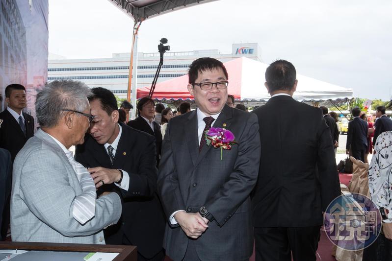 星宇航空董事長張國煒表示,公司從不補班,讓員工連假照放,因為假日上班大家心也不在,不如放假。