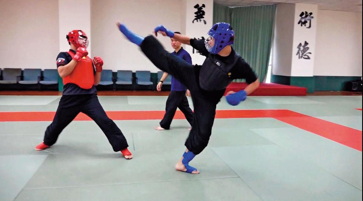 特勤隨扈透過密集拳術訓練,強化機動性和體能狀況。(國安局提供)