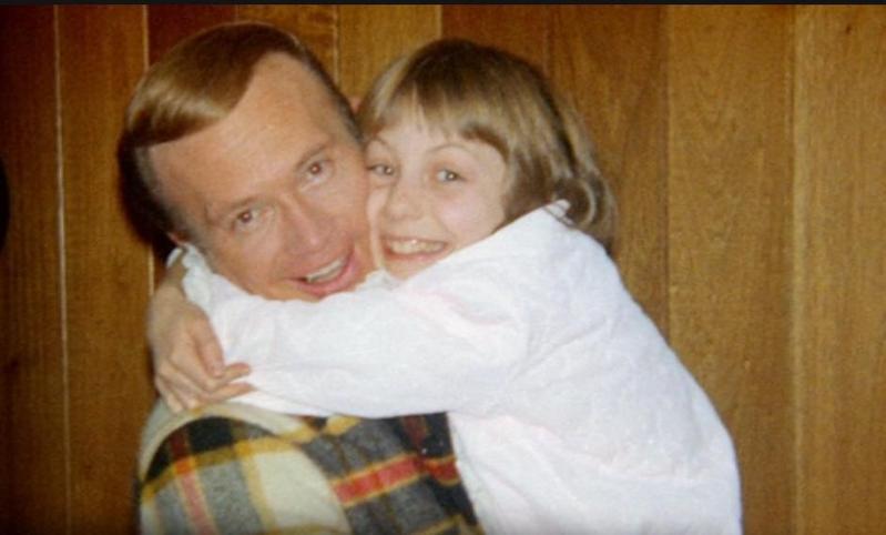 羅伯特綁架12歲的鄰居珍,並做出許多變態舉動。(翻攝自Netflix網頁)